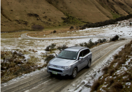 driving safely on new zeland roads in snow